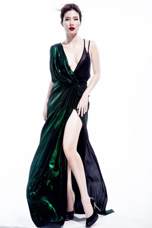 Nghẹt thở với những kiểu váy khiến Diễm My siêu quyến rũ