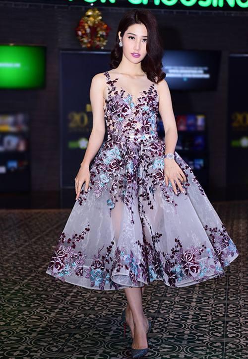 Nghẹt thở với những kiểu váy khiến Diễm My siêu quyến rũ - 3