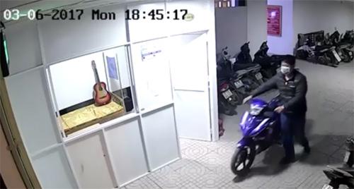 Trộm xâm nhập cao ốc , công bằng dắt mô tô cao cấp - 2