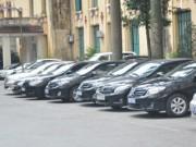Tài chính - Bất động sản - Tại sao khoán xe công cho lãnh đạo 16.000 đồng/km, cao hơn giá taxi?