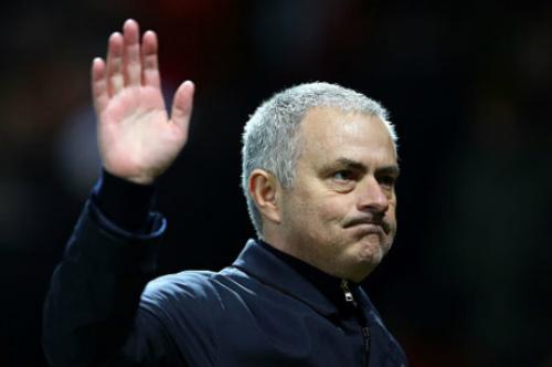 """MU quen bắt nạt đội yếu: Chelsea sẽ """"lột mặt nạ"""" Mourinho"""