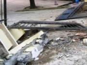 Tin tức trong ngày - Cổng UBND xã đổ sập, đè chết bé 10 tuổi ở Hải Phòng