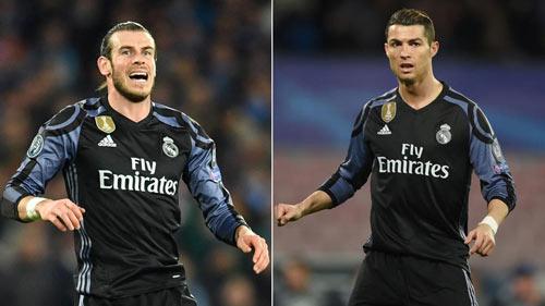 """Biến lớn tại Real: Ronaldo bị """"đánh hội đồng"""""""