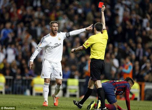 """Trọng tài """"bênh"""" Barca: Real sợ là nạn nhân kế tiếp"""