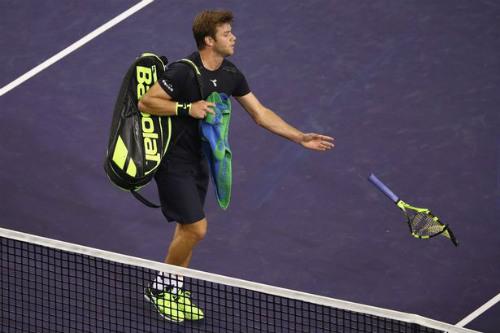 Tin HOT thể thao 12/3: Thua cay cú, SAO tennis đập nát 4 chiếc vợt