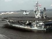 """Tàu sân bay Mỹ  """" thảm bại """"  khi tập trận với nước khác"""