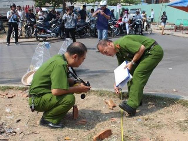 Nam tài xế Grabbike bị nhóm xe ôm truyền thống đâm gục ở SG