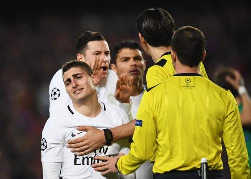 Bê bối trận Barca – PSG: Trọng tài lăng mạ cầu thủ PSG
