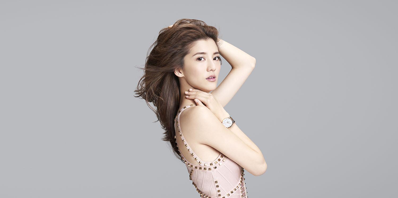 """Đường cong sexy của 3 cô bồ """"tài tử sát gái số 1 TVB"""" - 11"""