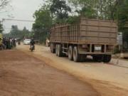 Va chạm xe tải, thai phụ và con gái tử vong tại chỗ