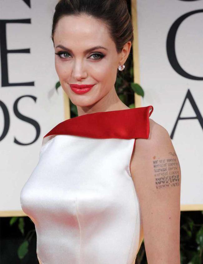 Angelina jolie xăm hình lạ giữ hôn nhân vẫn mất chồng