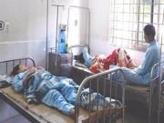 Sức khỏe đời sống - Ăn lòng heo để lâu, 8 người nhập viện