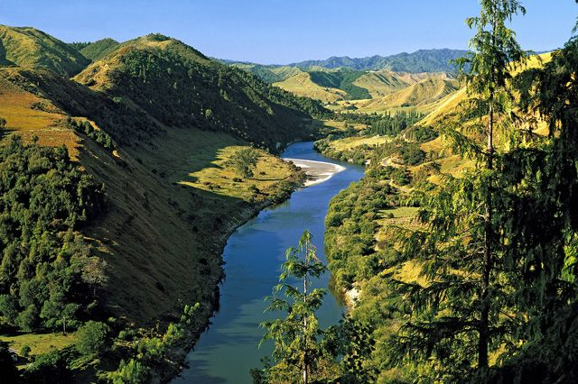 Dòng sông đầu tiên trên thế giới được trao quyền con người - 1