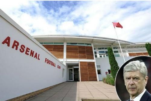 Arsenal: Bất ngờ tương lai Wenger, phá két vì học viện
