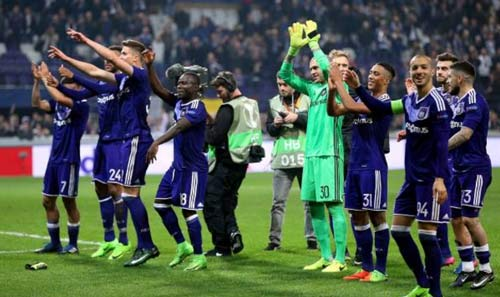 MU mơ dự cúp C1: Cửa Europa League ngắn nhưng nguy hiểm - ảnh 1