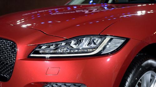 Jaguar F-Pace có giá từ 3,6 tỷ đồng tại Việt Nam - 6