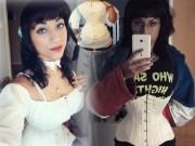 Làm đẹp - Cô gái gây sốc vì bóp eo còn 46cm nhờ loại áo gây hại