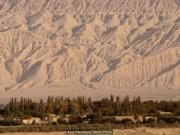 Sức sống kỳ diệu của ốc đảo giữa sa mạc ở TQ