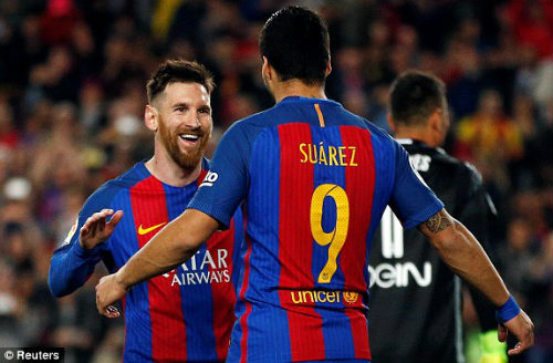 Barcelona - Valencia: Thẻ đỏ & 6 bàn thắng tưng bừng - 1