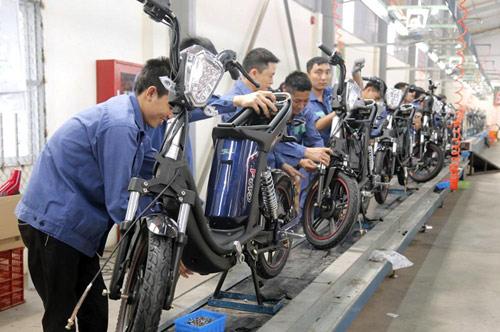 Lần đầu tiên Việt Nam có thương hiệu Việt sản xuất xe gắn động cơ hai bánh - ảnh 1