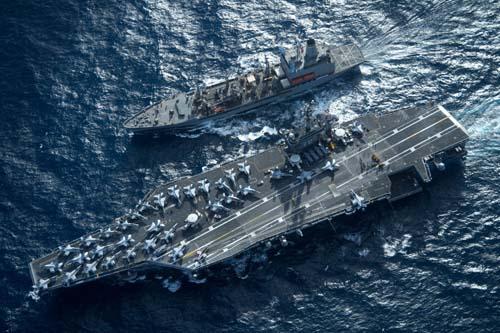 """Triều Tiên tung video """"tắm lửa"""", hủy diệt tàu sân bay Mỹ - 1"""
