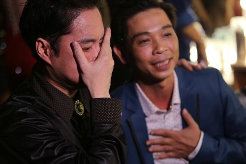 Ngọc Sơn khóc nức nở trên sóng truyền hình - 2