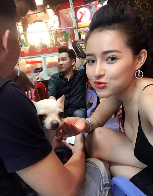 Ngân 98 nude bên Quang Hà