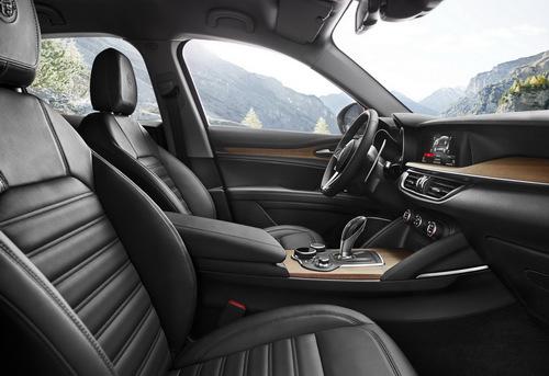 Alfa Romeo Stelvio: Sinh ra làm đối thủ Porsche Macan - ảnh 4
