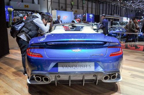Aston Martin Vanquish S Volante 2018 giá 7,1 tỷ đồng - ảnh 4