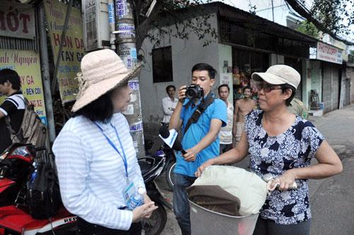 TP.HCM: Vỉa hè khác lạ sau khi bà nữ chủ tịch phường đi qua - ảnh 4