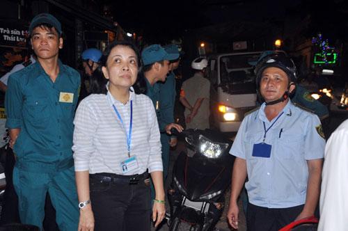 TP.HCM: Vỉa hè khác lạ sau khi bà nữ chủ tịch phường đi qua - ảnh 9