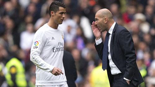 """Zidane """"đe"""" Ronaldo: Quyền lực tối thượng của """"gã hói"""" - 1"""