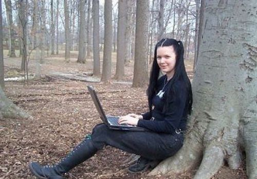 Top 5 nữ hacker xinh đẹp và nguy hiểm nhất mọi thời đại - ảnh 5