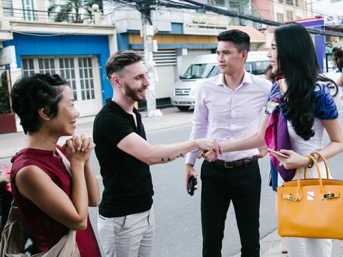 Cuộc sống vợ chồng Thuỷ Tiên lên truyền hình quốc tế - ảnh 8