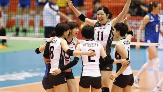 """Bóng chuyền nữ: Thái Lan """"quần tơi tả"""" Nhật Bản"""