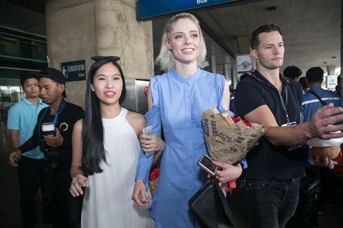 Nữ hoàng tạo dáng Coco Rocha xuất hiện rạng ngời tại sân bay - ảnh 10