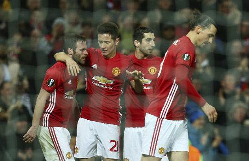 """Đua top 4 NHA: MU gặp khó, Arsenal dễ """"đứt gánh"""" - 1"""