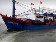 Tin tức trong ngày - Dây cáp tời bị đứt, 2 ngư dân thương vong trên biển