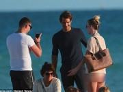 """Federer ngượng  """" chín mặt """"  đối diện fan nữ có 1 không 2"""