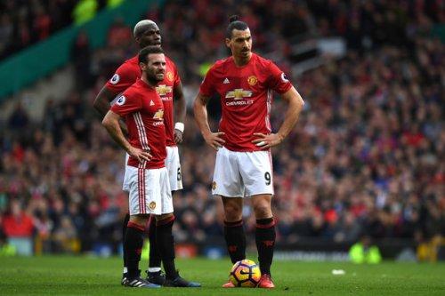 """MU """"hành xác"""" 9 trận/tháng: Tội vạ đâu, Mourinho chịu"""