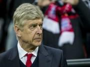 "Wenger  "" sống chết ""  giữ ghế: Một Arsenal khốn khổ"