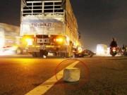 Tin tức trong ngày - Người đàn ông chết thảm dưới bánh xe tải vì… cục bê tông