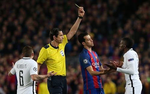 Trọng tài thảm họa trận Barca - PSG: Thoát án lạ lùng