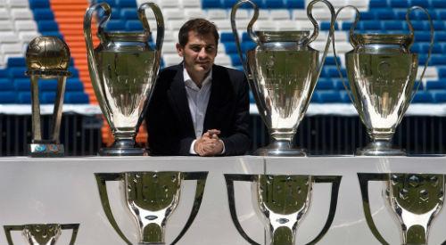 """Real & """"đại ca"""" quyền uy: Casillas - """"Vị Thánh"""" sụp đổ vì """"quyền lực đen"""" (P3)"""