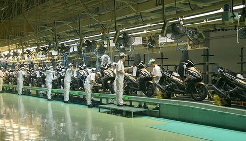 Made in Vietnam: Thôi đừng sản xuất, hãy đi buôn? - 1