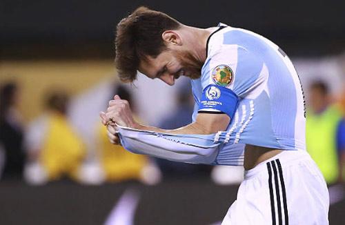 Messi chạm nỗi đau cũ: Lại bỏ ĐT Argentina nếu thua Chile?