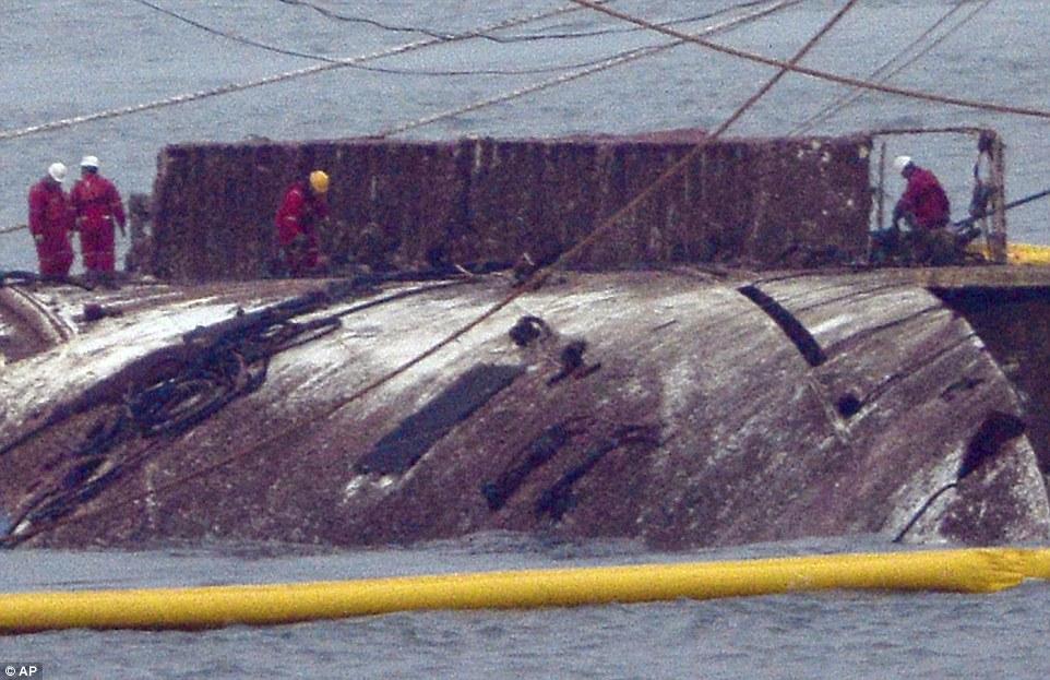"""HQ: Phà chìm khiến 300 người chết """"nổi lên"""" sau 3 năm - 3"""