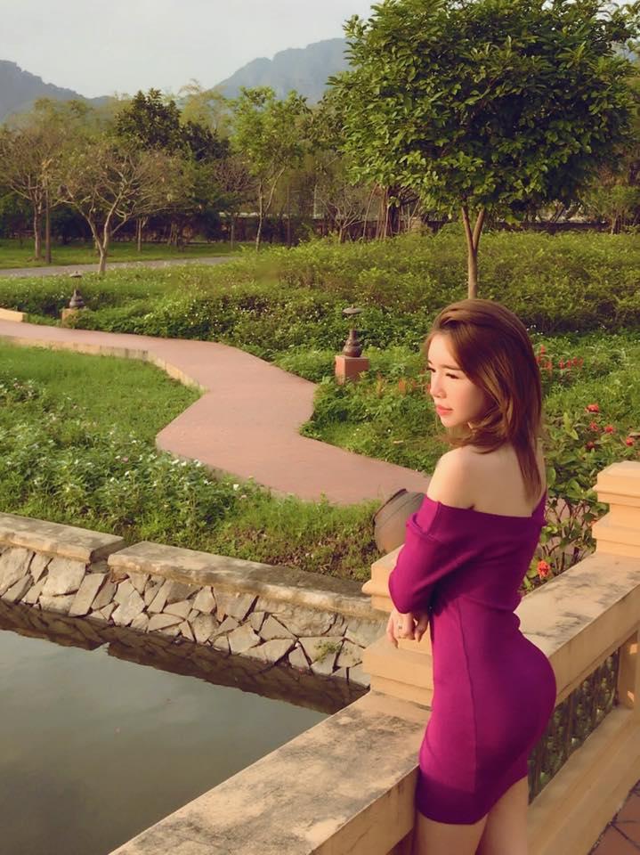 Elly Trần dùng nội y độn vòng 3 siêu bự?