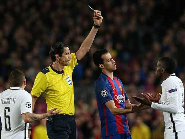 Nghi án trọng tài Barca - PSG: La Liga đá bóng kiêm thổi còi