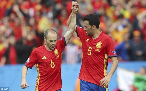 """Ramos """"đại ca"""" ĐT Tây Ban Nha: SAO Barca phải nể sợ - 2"""